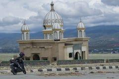 Uno del icono de Palu destruido después de tsunami golpeó el 28 de septiembre de 2018 fotografía de archivo libre de regalías