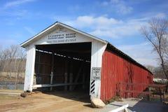 Uno del ponte coperto più popolare è ponte di Mansfield in Indiana fotografia stock libera da diritti