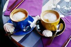 Uno o due caffè? Fotografie Stock Libere da Diritti