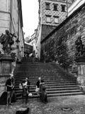 Uno romántico del momento en la Praga Foto de archivo libre de regalías