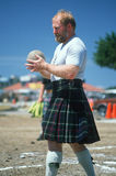 Uno shot-putter scozzese Immagine Stock