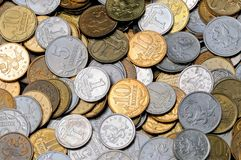 Uno spargimento delle monete 1, 5, 10 kopecks russi Immagini Stock