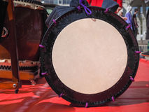 Uno strumento di percussione giapponese tradizionale Taiko Immagini Stock Libere da Diritti