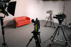 Uno studio delle 3 macchine fotografiche TV immagine stock