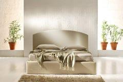 Unordentliches Bett Stockbilder