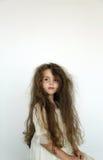Unordentliches Haarmädchen Stockfoto