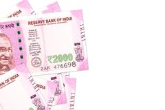 Unos nuevos 2000 billetes de banco de la rupia india imagen de archivo