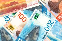 Unos nuevos 100 y 200 billetes de banco de la corona noruega imagen de archivo libre de regalías