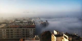 Unosić się w chmurach fotografia royalty free