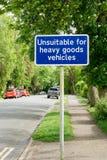 Unpassend für Zeichen der Schwerguttransporter Lizenzfreie Stockbilder