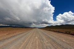 Unpaved väg i Anderna Royaltyfri Fotografi