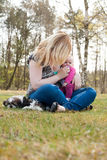 Unrecognizable μητέρα Στοκ φωτογραφία με δικαίωμα ελεύθερης χρήσης