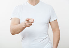 Unrecognizable νεαρός άνδρας που δείχνει σε σας Στοκ φωτογραφία με δικαίωμα ελεύθερης χρήσης