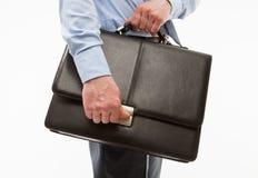 Unrecognizable biznesmen trzyma teczkę Zdjęcie Stock