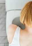 Unrecognizable kobiety buchanie obrazy stock