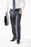 Unrecognizable młody biznesmen trzyma teczkę Zdjęcie Royalty Free