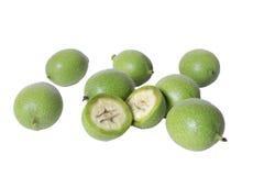 Unreife grüne Walnussfrucht Stockfoto