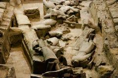 Unrestored terrakottakrigare - Xian - Kina Fotografering för Bildbyråer