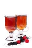 Uns copos do chá sobre o branco Imagens de Stock Royalty Free