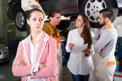 Unsatisfied client at car dealership Royalty Free Stock Photography