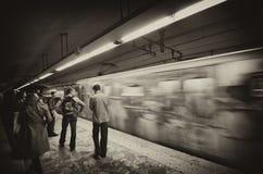 Unscharfe Abbildung einer Metros, die in Rom sich bewegt Stockfoto