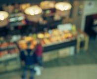 Unscharfe Ansicht des Caf?s lizenzfreie stockbilder