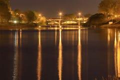 Unscharfe Hintergrundnachtstadtlichter Lizenzfreie Stockbilder