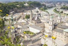 Unscharfe Landschaft von Salzburg von der Spitze Stockfotografie