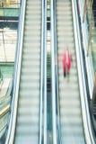 Unscharfe Rolltreppen Stockfoto
