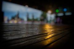 Unscharfe Schattenbilder von Leuten und von Tanzboden Lizenzfreies Stockfoto