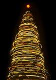 Unscharfer drehender Weihnachtsbaum Stockfotografie