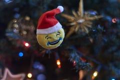 Unscharfer Hintergrund, Weihnachtsbaumdekoration Stockbilder