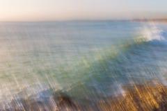 Unscharfes abstraktes Bild von Wellen stockbilder