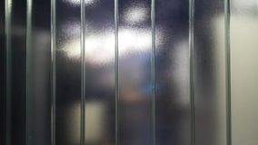 Unscharfes elektrisches Glasteil und Zubehör im Schaltschrank, in der Steuerung und im Verteiler stockbilder