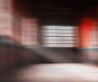 Unscharfes Japan-Café mit heller Glühenabstraktion Stockbilder