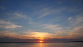 Unschuldiger Frühlingssonnenaufgang stockfoto