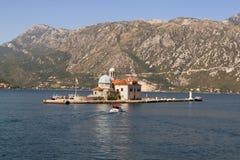 Unsere Dame der Felseninsel in Bokabay, Montenegro Lizenzfreie Stockbilder