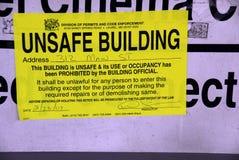 Unsicheres errichtendes Zeichen und Gebrauch prohibitted stockfoto