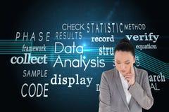 Unsmiling myślący azjatykci bizneswomanu wskazywać Zdjęcia Stock
