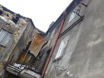 Untenantable hus i Czestochowa Arkivbilder