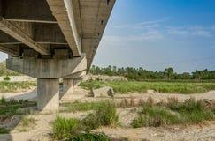 Unter Brücke Lizenzfreies Stockbild
