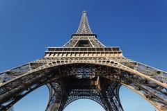 Unter dem Eiffelturm Stockfoto