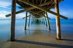 Unter dem Fischen-Pier lizenzfreies stockfoto