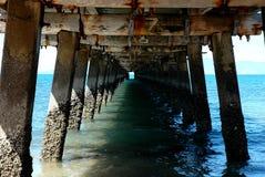 Unter dem Pier stockbild