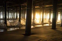 Unter dem Pier Stockbilder