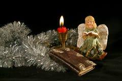 Unter dem Weihnachtsbaum Stockfotos