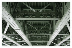 Unter der Brücke lizenzfreie stockfotografie