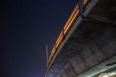 Unter der Eisenbahn von skytrain Stockbild