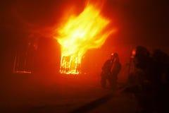 Unter Flammen Lizenzfreie Stockbilder