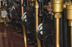 Unter Plattform auf HMS-Kriegers-Portsmouth-Docks Stockfotos